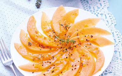 Carpaccio de Melon sauce vinaigrette agrumes et cacahuètes