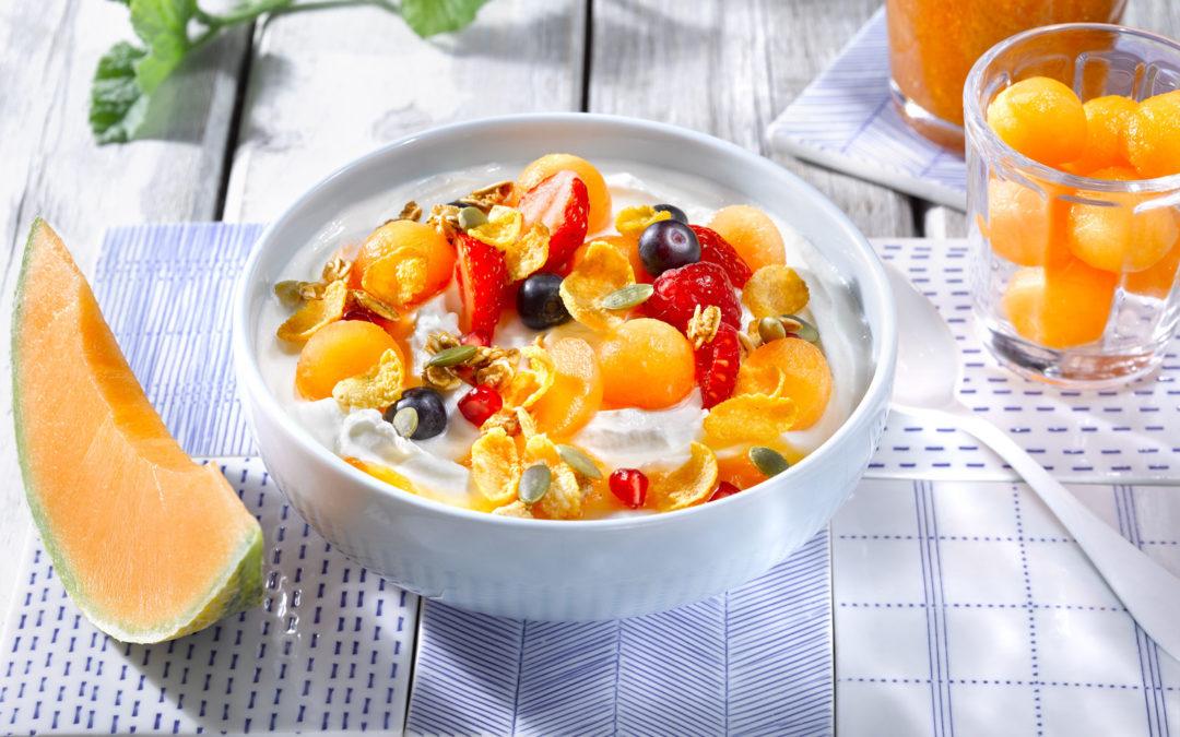Bowl vitaminé au melon et granola croustillant