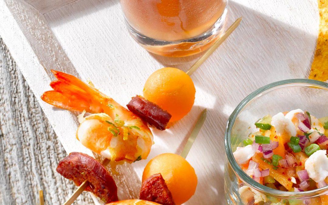 Mini-brochettes melon, chorizo, crevettes