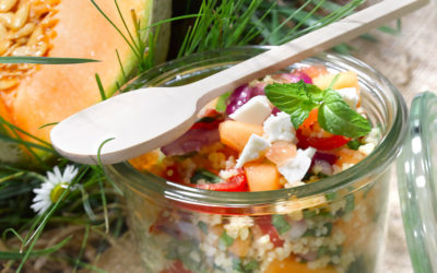 Salade de billes de melon aux dés de poulet caramélisés